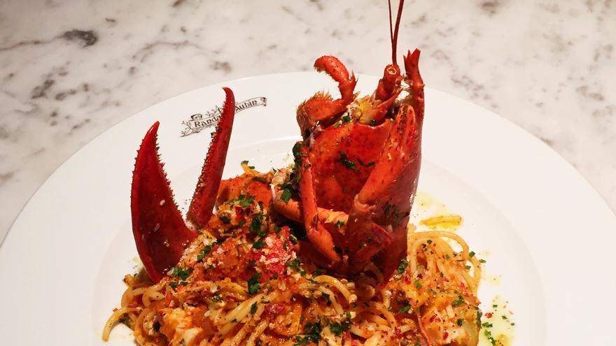 Uno de los platos de langosta de Randall & Aubin (Imagen: Supper)
