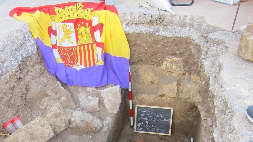Impulsan una ILP para obligar a los juzgados a exhumar víctimas del franquismo en dos años desde que se denuncie