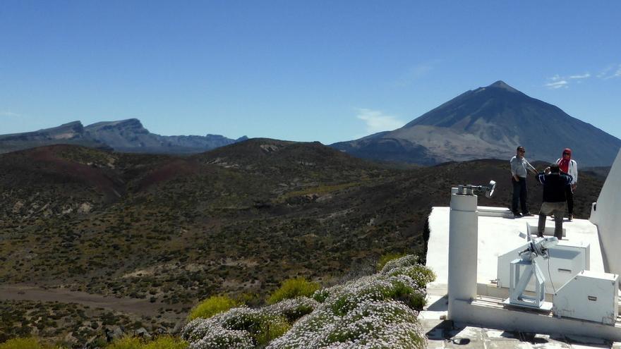 Turistas durante unas jornada de puertas abiertas del Observatorio de Izaña