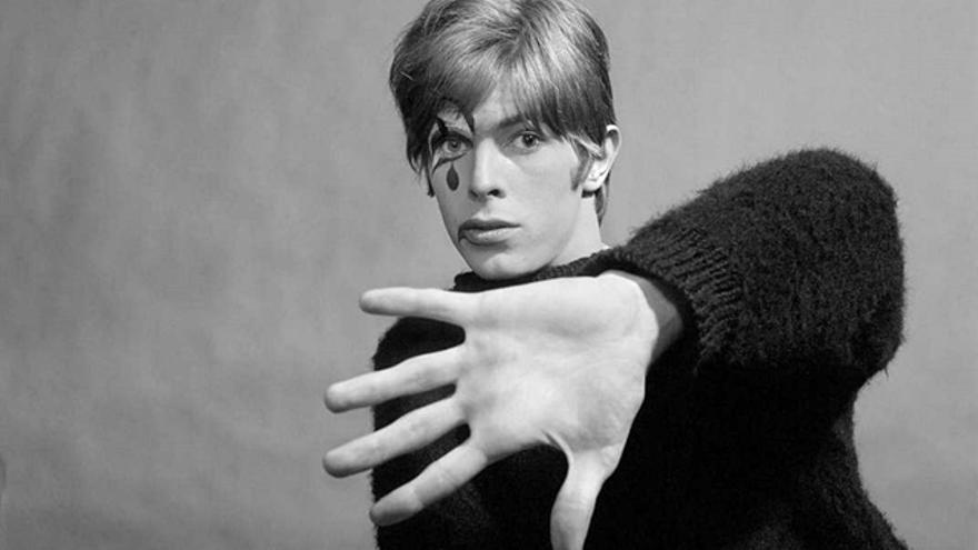 David Bowie durante una etapa en la que empezó a experimentar con la mímica
