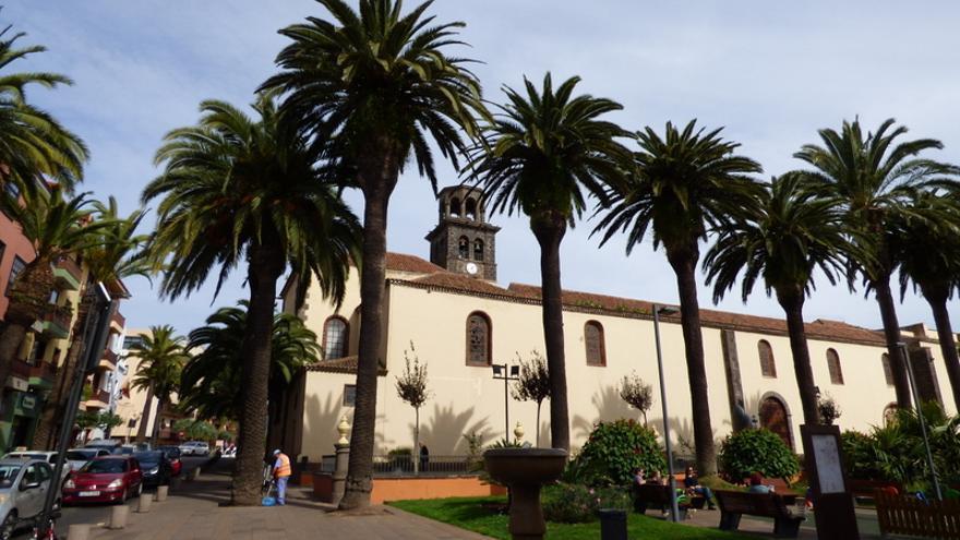Céntrica plaza del casco histórico de La Laguna