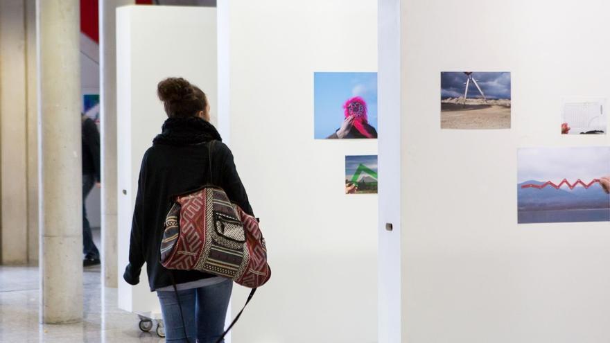 La UPNA acoge dos exposiciones del programa 'Mapamundistas'