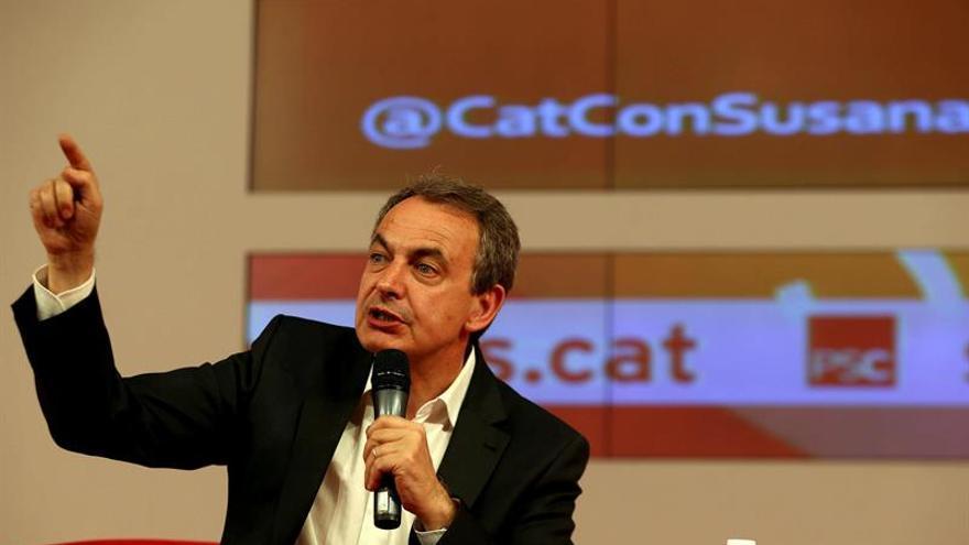 Zapatero agita las primarias con su denuncia de prejuicios contra Susana Díaz
