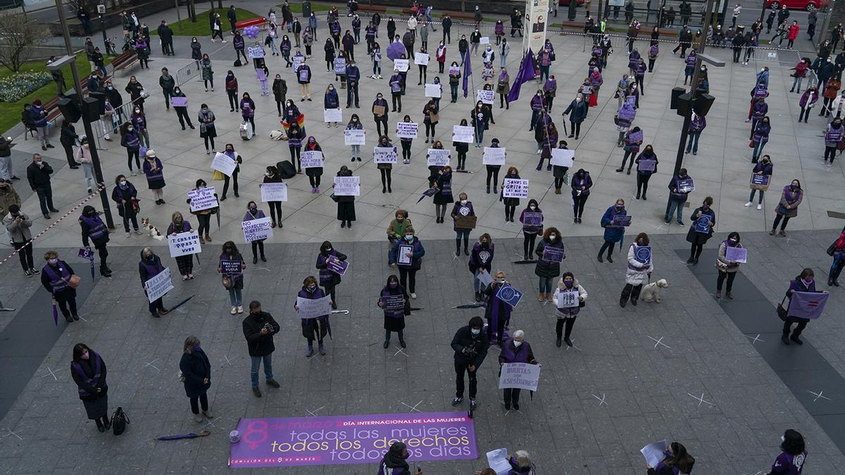 Concentración feminista en Santander con motivo del 8M.