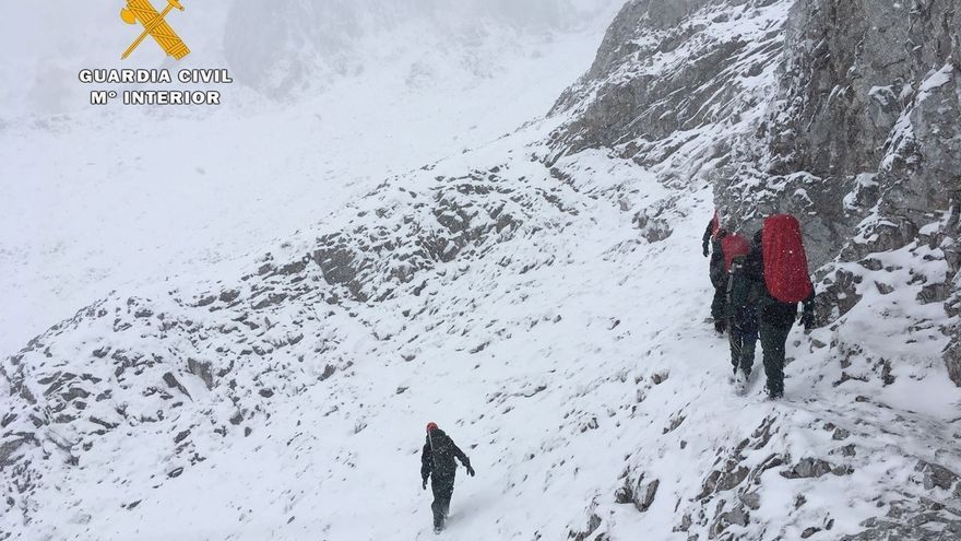 (Amp) Rescatados los cuerpos de los montañeros zamoranos fallecidos en Picos de Europa