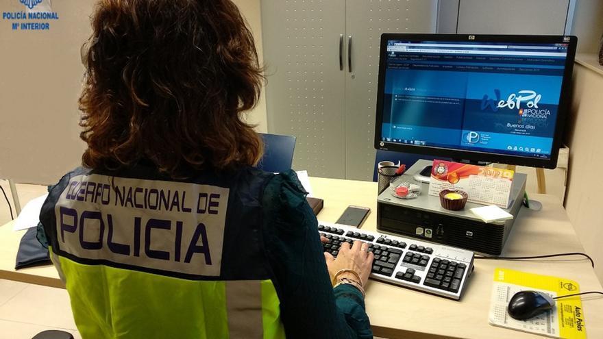 Detenida por sacar más de 12.000 euros de la libreta de la anciana a la que cuidaba
