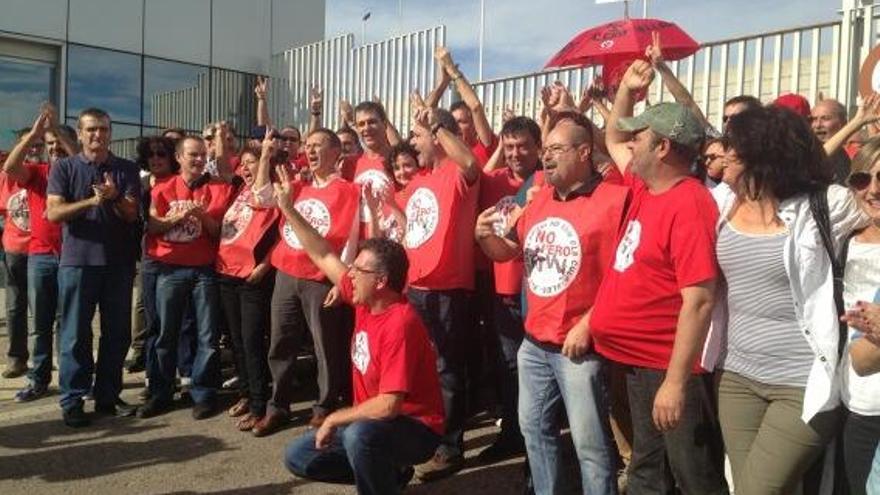 Celebración trabajaores RTVV sentencia ERE
