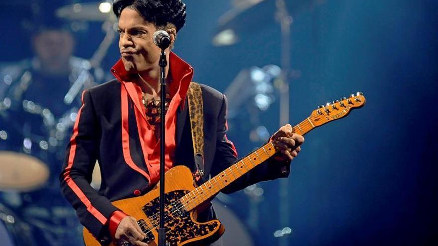 Prince muere a los 57 años, confirma su publicista