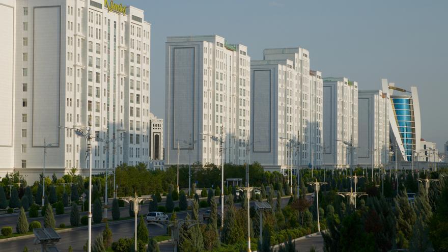 La capital turkmena es la ciudad del mundo con una mayor densidad de edificios de mármol blanco.