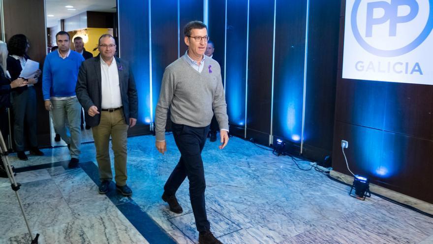Feijóo con otros dirigentes del PP gallego en un acto político