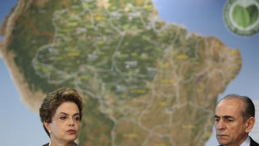 El ministro de Salud de Brasil toma licencia por una votación clave para Rousseff