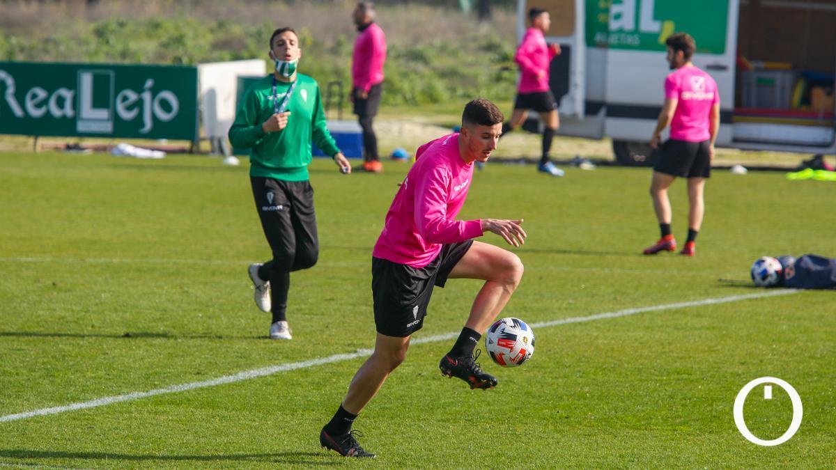Alberto Ródenas, en su primer entrenamiento con el Córdoba.