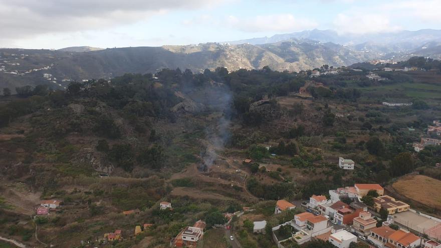 El Cabildo de Gran Canaria levanta la prohibición de las quemas agrícolas, pero mantiene su dispositivo contra incendios