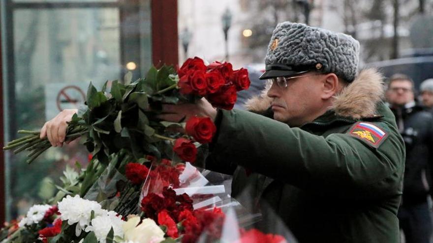 """Hallan """"caja negra"""" del avión militar ruso siniestrado en el mar Negro"""