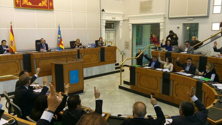 PSPV y PP votan juntos el incremento de la asignación a los partidos políticos