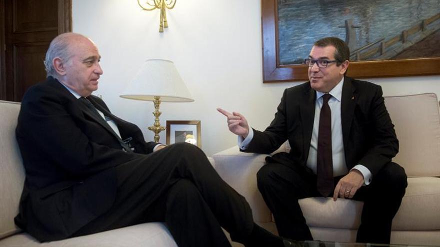 Gobierno y Generalitat estudian más competencias a Mossos y acceso a datos
