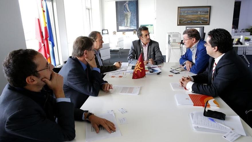 """Martín defiende el """"impulso industrial y la eficiencia energética"""" que representa la cogeneración"""