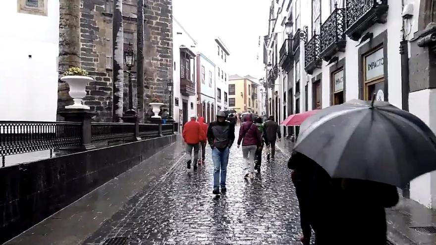 Mañana del viernes lluviosa en Santa Cruz de La Palma. Hasta las 14.40 horas, se habían recogido 13 litros por m2.