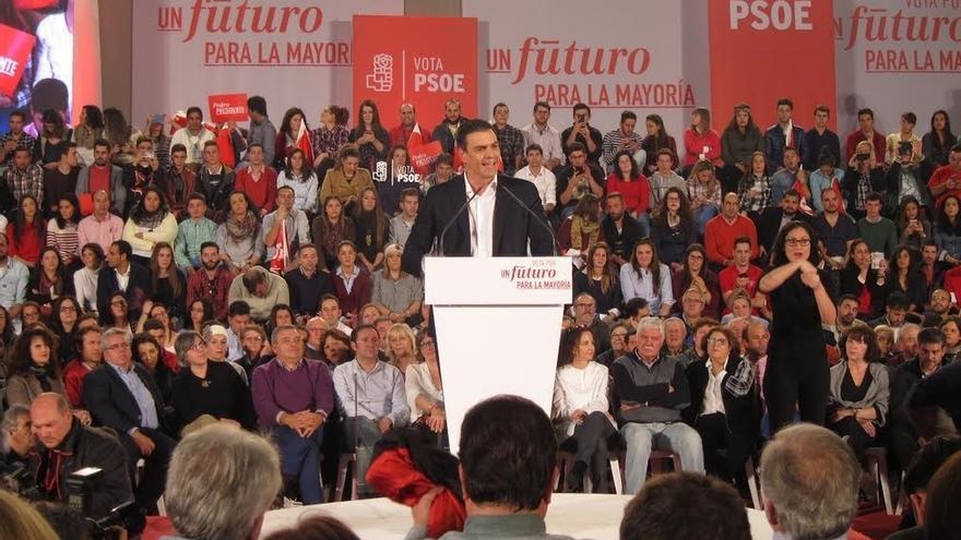 """Pedro Sánchez, dolido con Iglesias por criticar su acusación a Rajoy y aplaudir que llamen """"criminales"""" al PSOE"""