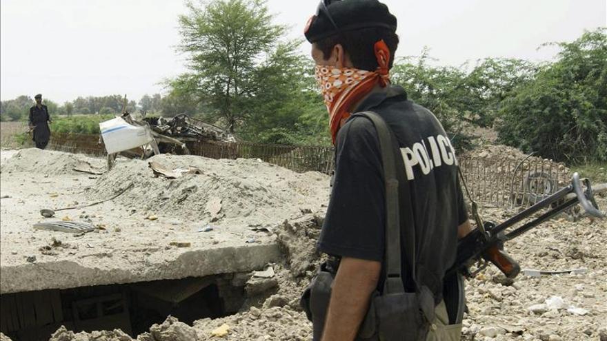 3 muertos y 14 heridos tras un atentado contra el hijo del presidente de Pakistán
