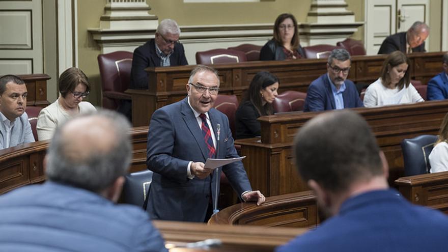 José Manuel Baltar, en el Parlamento de Canarias. (FLICKR PARLAMENTO DE CANARIAS)