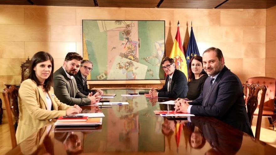 Los equipos negociadores de PSOE y ERC en la segunda reunión que mantienen.