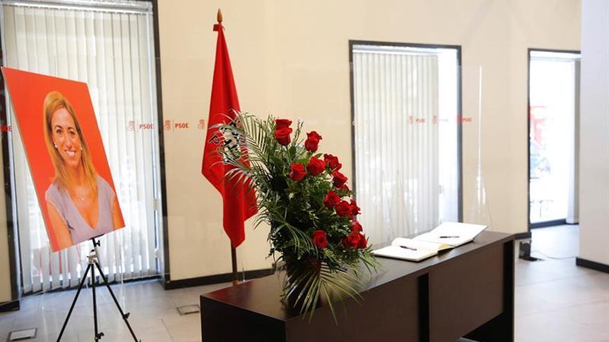 Los tres candidatos del PSOE coincidirán mañana en el homenaje a Carme Chacón
