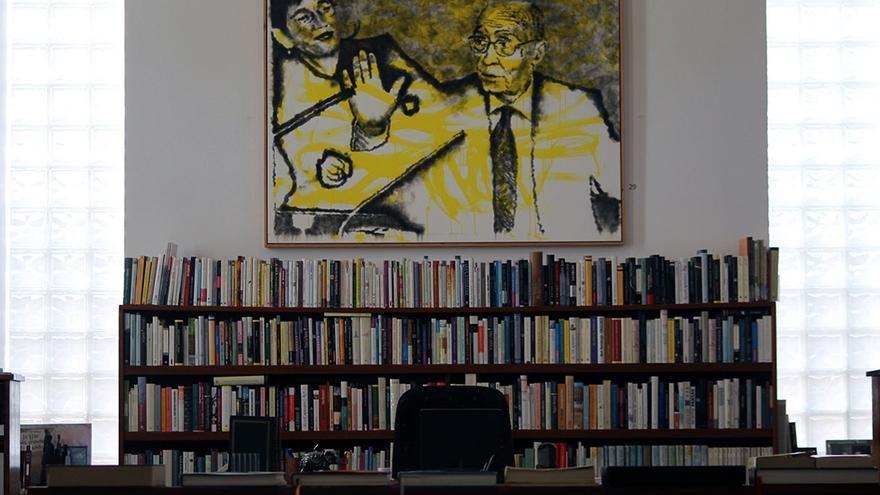 Biblioteca de José y Pilar en A Casa. | JUAN MIGUEL BAQUERO