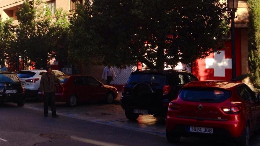 Un gorrilla cerca de la sede de Tráfico de Valencia. C. N. C.