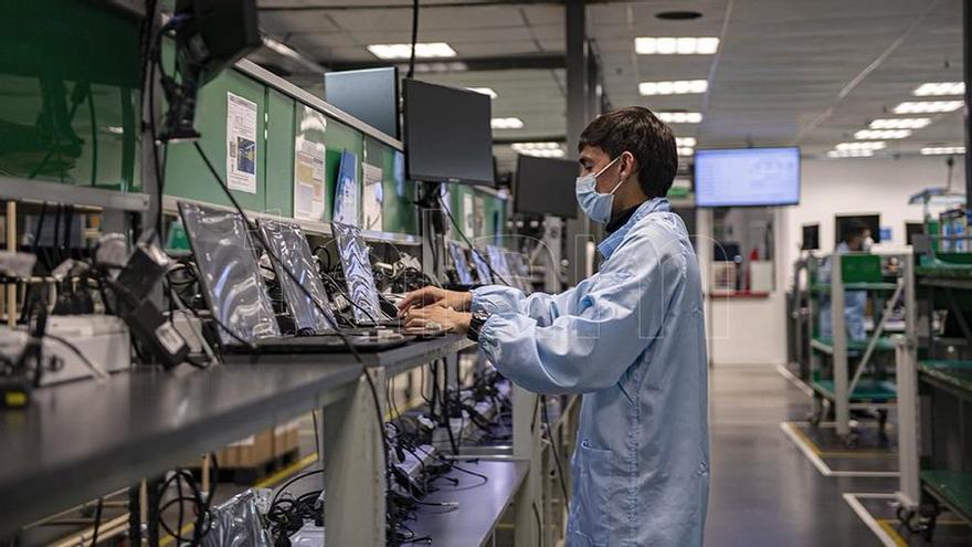 La actividad económica creció 12,8% en agosto y se ubicó por encima del nivel prepandemia