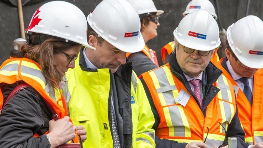 """Comisaria europea de Comercio defiende en Canadá la construcción de """"puentes"""""""