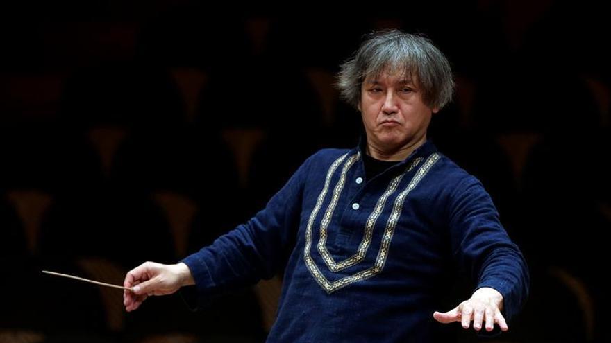 Condecorado en Francia el director de Orquesta Sinfónica de Barcelona, Kazushi Ono
