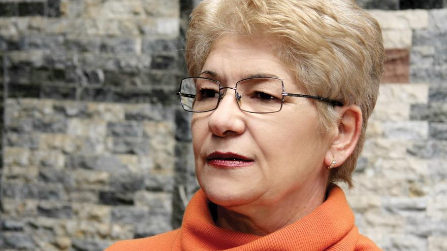 La poeta kosovar Edi Shukriu