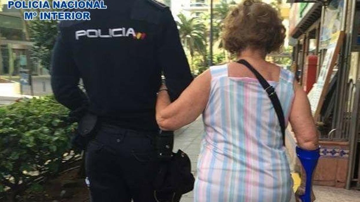 Un policía nacional y la mujer, en Santa cruz de Tenerife