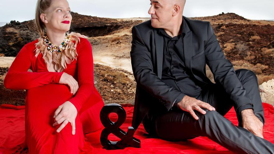 E&A Jazz Dúo está formado por la cantante Esther Alfonso Da Costa y el pianista Augusto Báez.