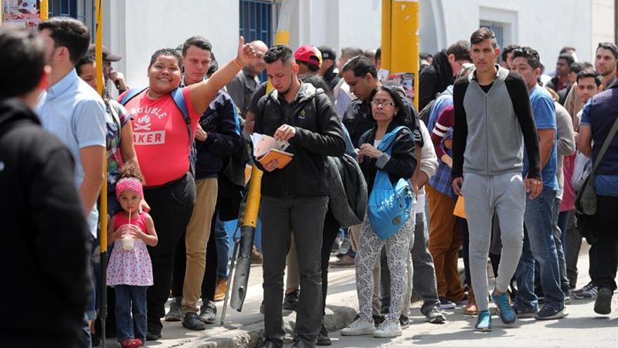 Miles de venezolanos regularizan su permanencia en Perú en el último día vigente