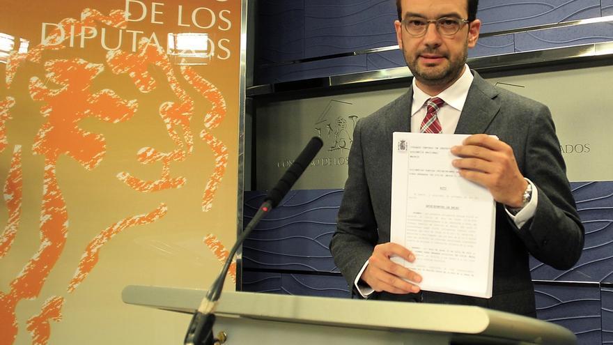 "PSOE anima a Rajoy a ""prescindir"" de Mato para tener ""un poquito de credibilidad"" frente a la corrupción"