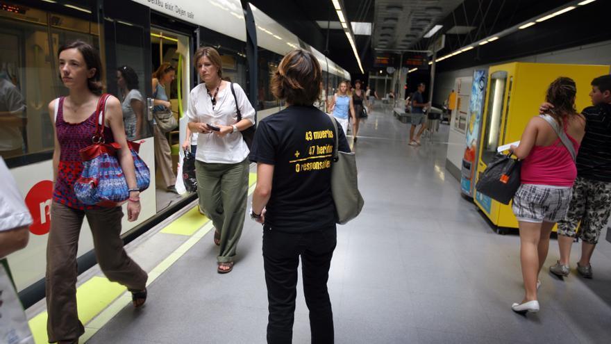 Beatriz Garrote, expresidenta de la AVM3J, en una estación de metro