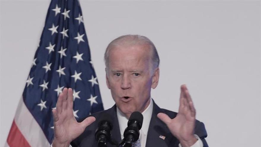 """Biden dice que Trump no """"merece"""" ser presidente ni tiene carácter para serlo"""