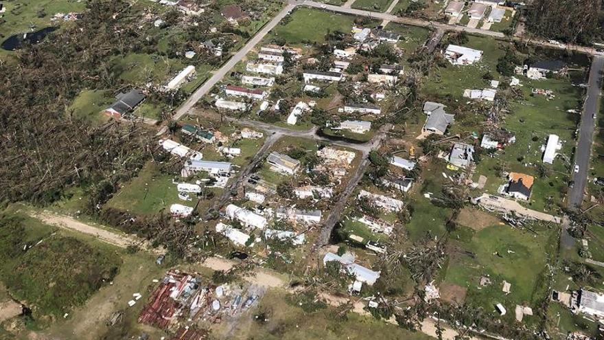 Asciende a once el número de víctimas causadas por el ciclón Michael en EE.UU.