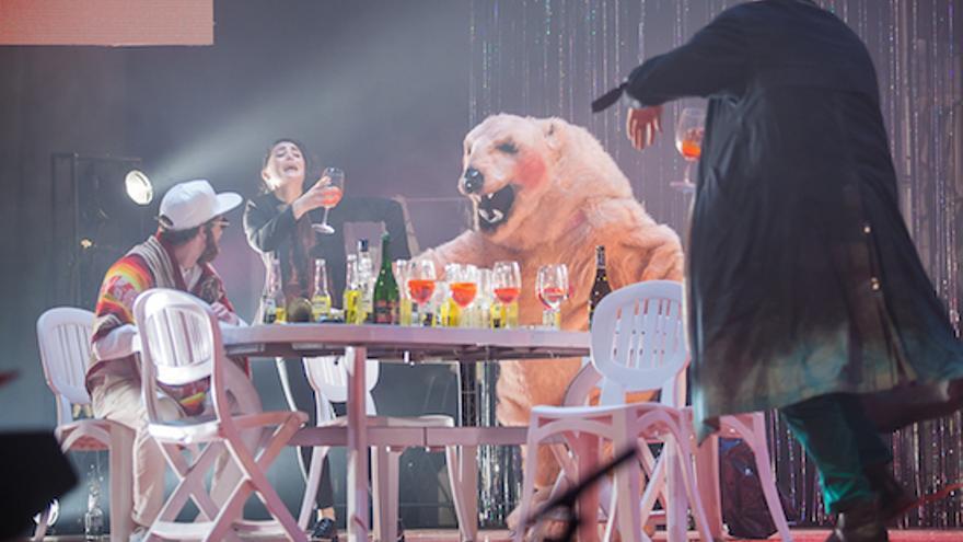 'La dictadura de lo cool' en el Teatro Circo