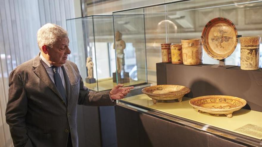 Jordi Clos exhibe medio centenar de obras de la cultura maya de su colección