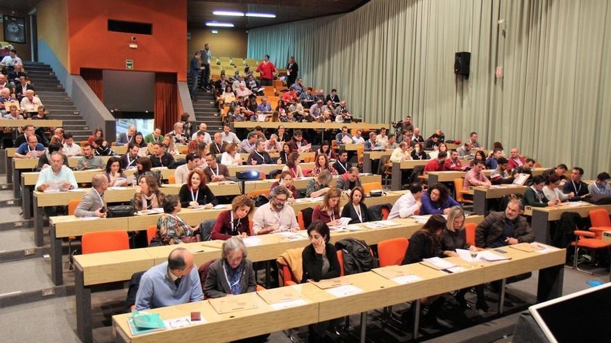 Unos 200 docentes debaten en Torremolinos sobre la Formación Profesional de Informática y Comunicaciones