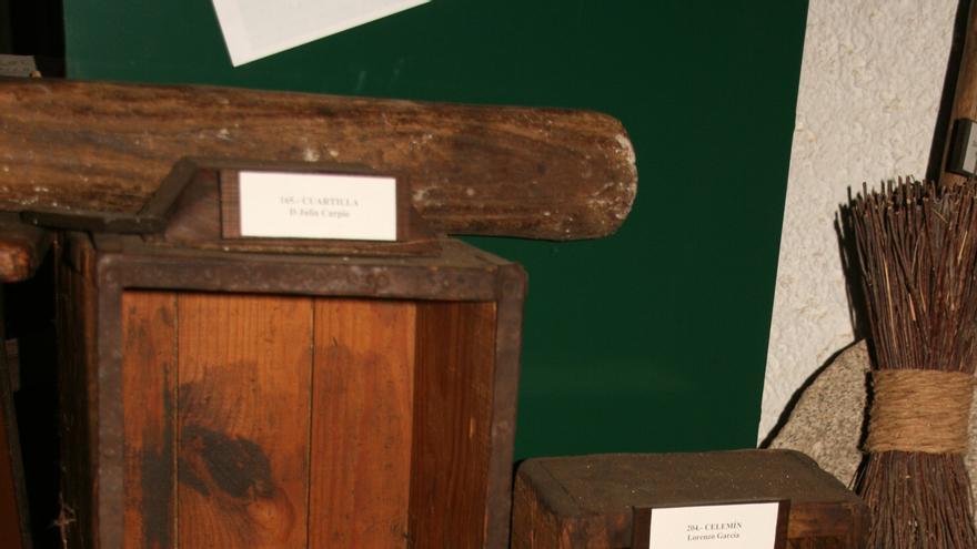 Cuartilla, celemín y celemín y medio en el Museo Etnográfico de Horcajo de los Montes, en Ciudad Real (Imagen: Wikipedia)