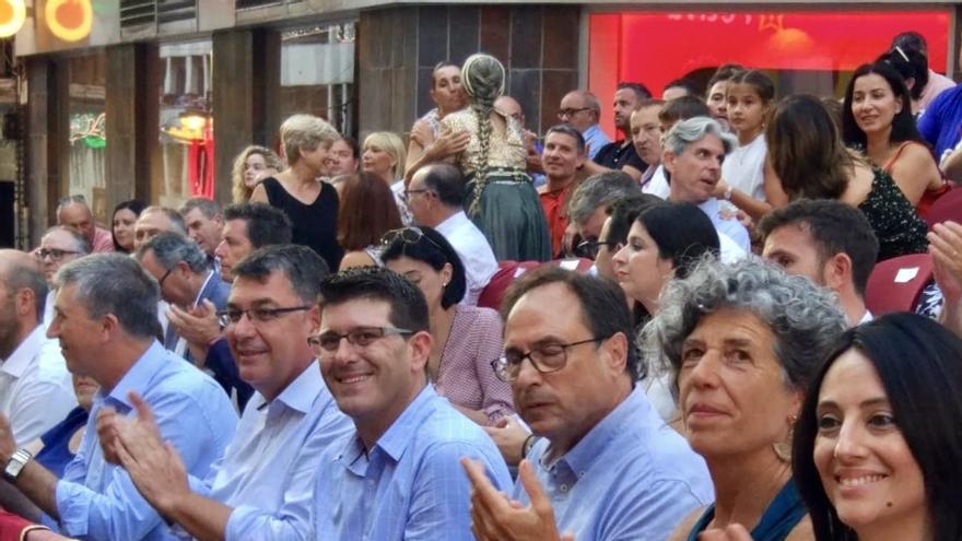 El conseller Vicent Climent, el presidente de las Corts Enric Morera, el alcalde de Ontinyent Jorge Rodríguez y el conseller Vicent Soler