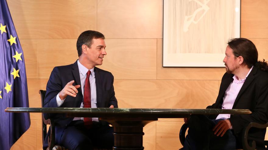 Pedro Sánchez y Pablo Iglesias en su última reunión en el Congreso.