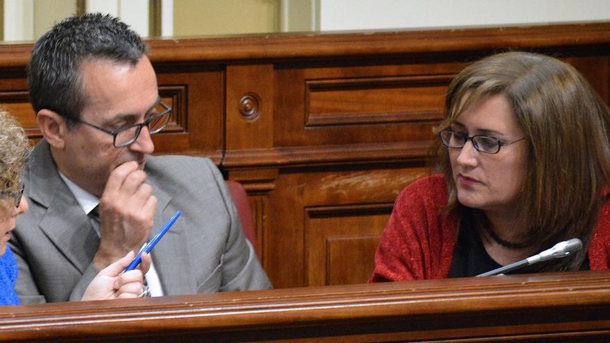 Guadalupe González en el Parlamento regional.