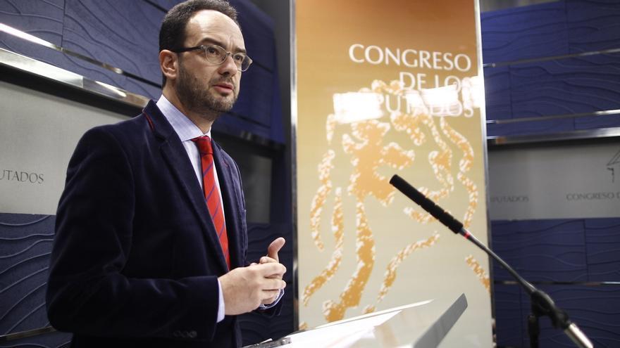 El PSOE recalca que es la primera vez que los jueces tienen que ir a los tribunales a pedir más medios para la Justicia