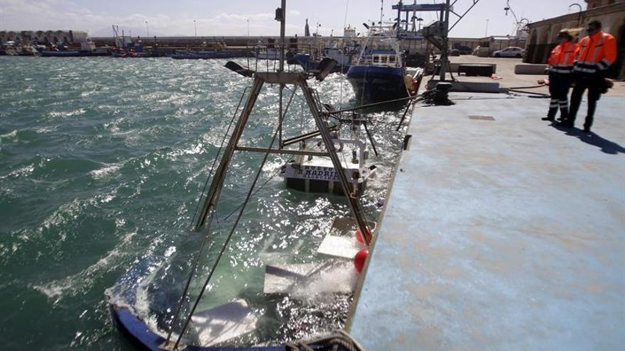 Reanudan el tráfico marítimo en el Estrecho tras amainar el temporal de levante