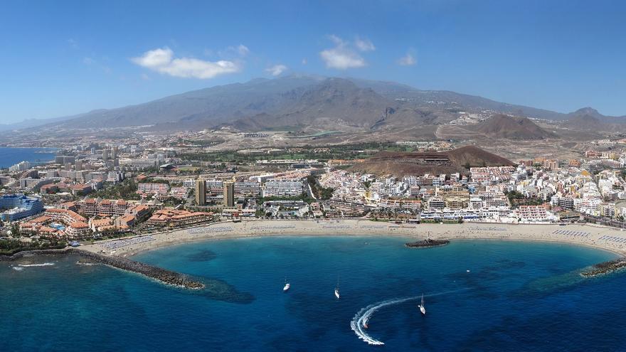 Imagen parcial del litoral en el municipio de Arona, en el sur de Tenerife